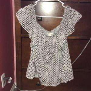 off the shoulder diamond pattern shirt